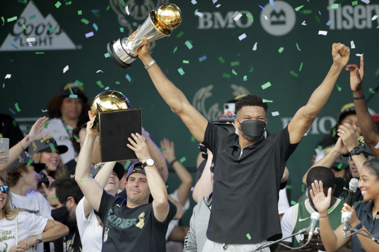 Cheer the Bucks' Title — and Pols Who Kept the Team in Town